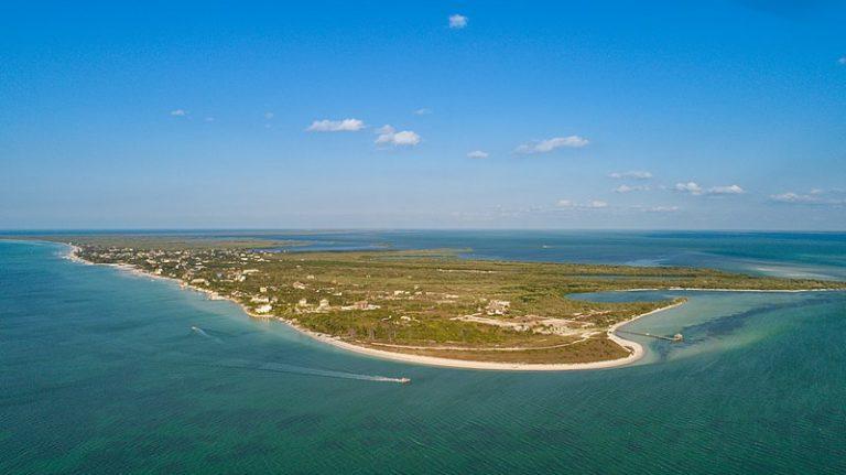 Holbox, playa libre de sargazo